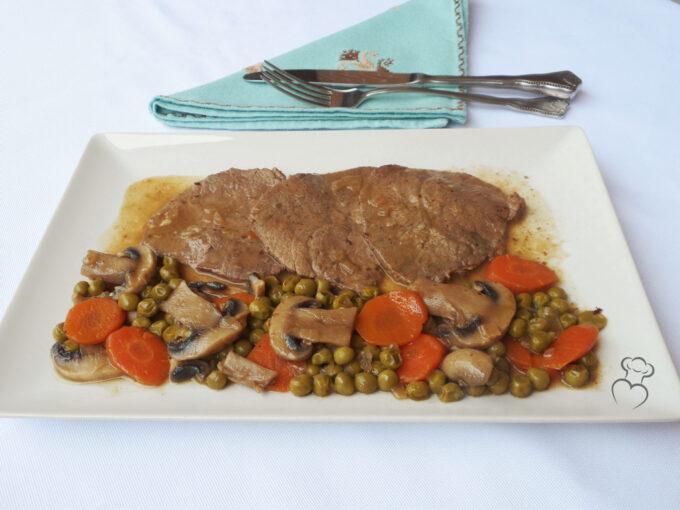 Filete de ternera en salsa de oporto mi querida cocinera - Filetes de ternera en salsa de cebolla ...