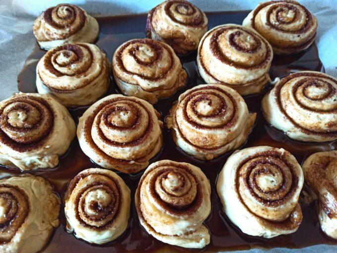 Cinnamon rolls o rollos de canela