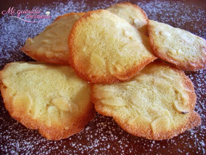 Tejas de galleta con almendra