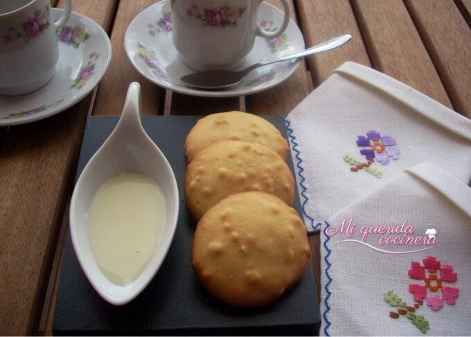 Galletitas de leche condensada y almendra