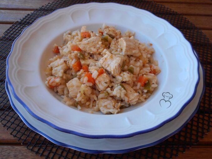 Pollo a la mostaza con arroz cocido