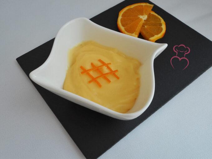 Crema pastelera sabor a naranja
