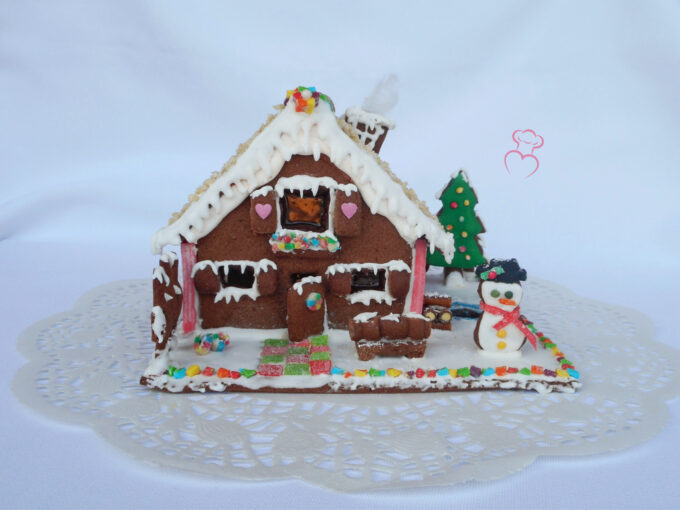 Casita o lebkuchenhaus de galleta decorada