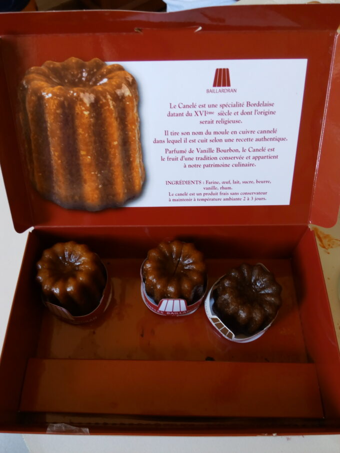 Canelé de chocolate y ron