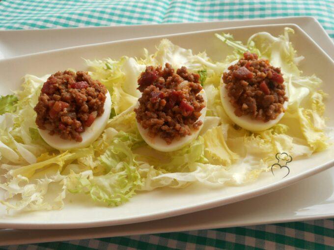 Huevo cocido relleno a la castellana