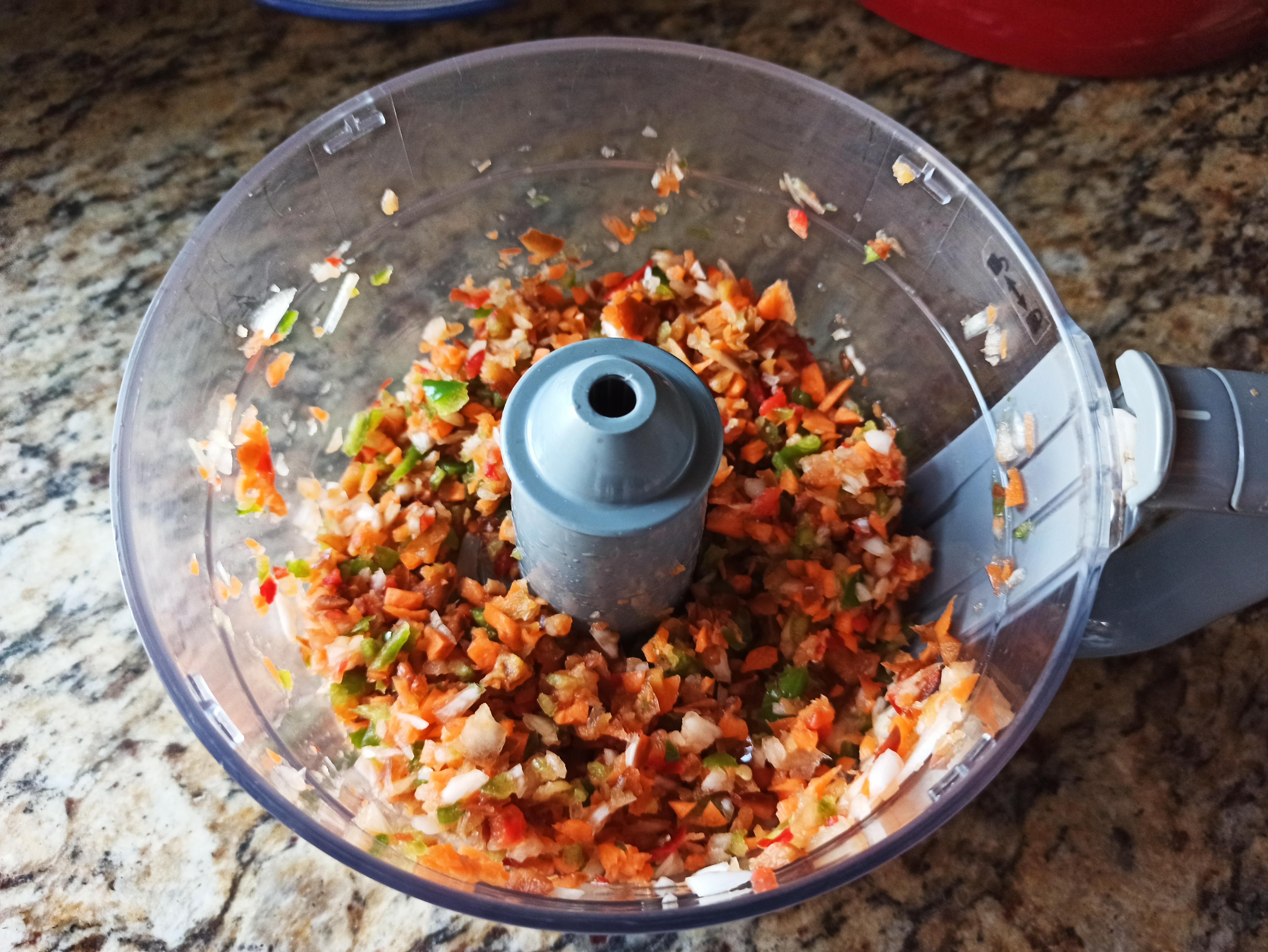 Patatas rellenas de verduras y beicon
